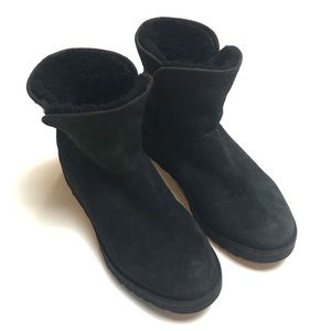 Ugg suede, short, sherpa lined boots